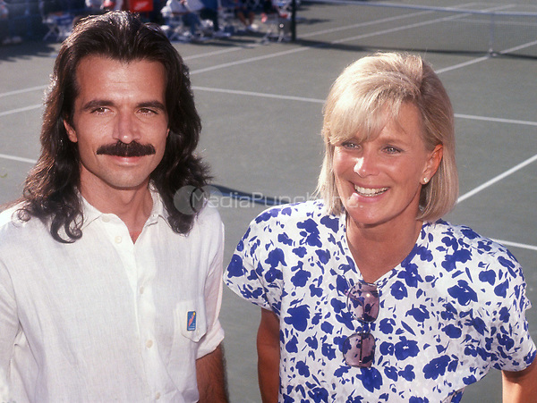 Yanni Linda Evans 1990<br /> Photo By John Barrett/PHOTOlink.net / MediaPunch