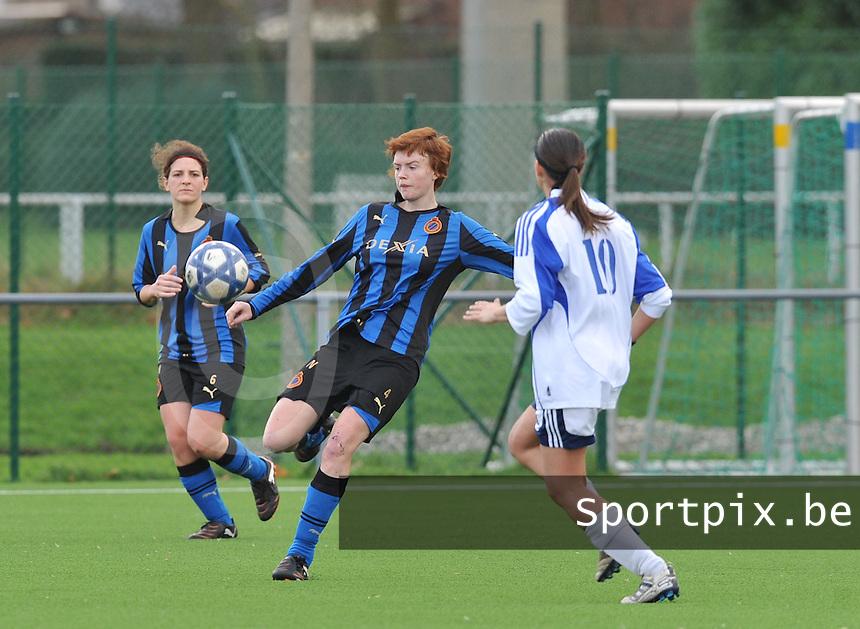 Club Brugge Dames - Rassing Harelbeke : Jolien Nuytten aan de bal.foto DAVID CATRY / Vrouwenteam.Be