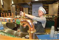 - Eataly, market for the sale of quality Italian food, the beer-house<br /> <br /> - Eataly, market per la vendita del cibo italiano di qualit&agrave;, la birreria