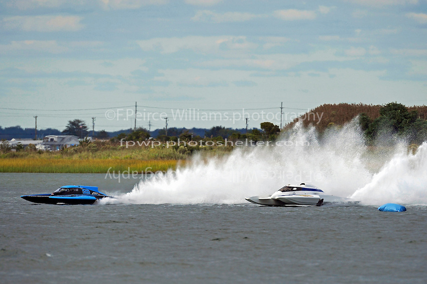 "Brandon Kennedy, GP-25 ""Miss KOMA Unwind"" and Tom Pakradooni, GP-88, ""Rolling Thunder"" (Grand Prix Hydroplane(s)"