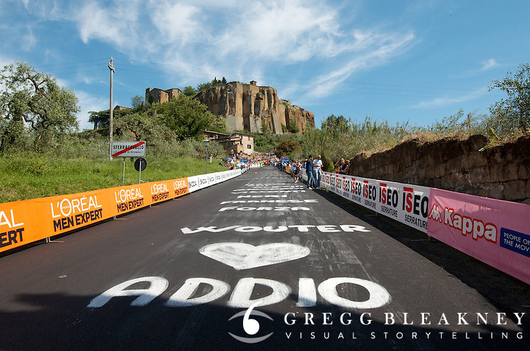 Mid-way up the first pitch of stage 5's uphill sprint finish to Orvieto, Wouter's name has been painted all over the road.