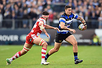 Matt Banahan of Bath Rugby in possession. Aviva Premiership match, between Bath Rugby and Gloucester Rugby on October 29, 2017 at the Recreation Ground in Bath, England. Photo by: Patrick Khachfe / Onside Images