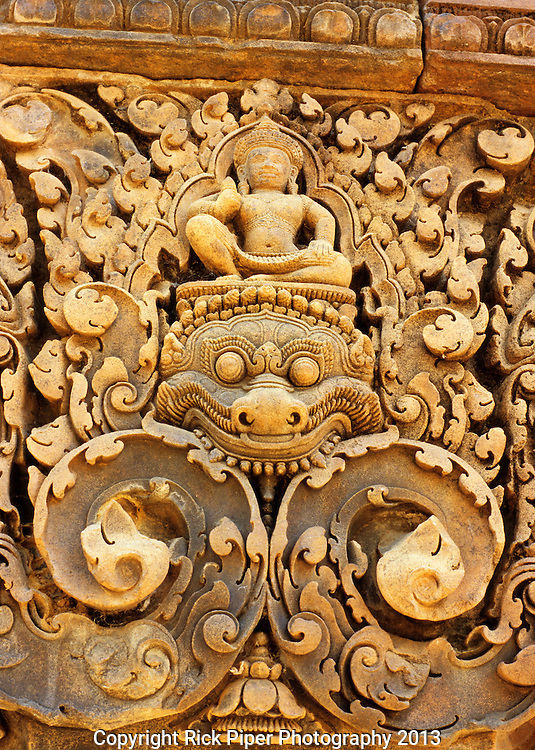 Banteay Srei Carving 01 - Detail of intricately carved sandstone pediment in the inner enclosure, Banteay Srei Temple, Cambodia