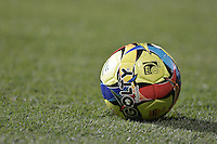 BOGOTÁ -COLOMBIA, 26-07-2014. Aspecto del balón Golty durante el encuentro entre La Equidad y Millonarios por la fecha 2 de la Liga Postobón II 2014 jugado en el estadio Metropolitano de Techo de la ciudad de Bogotá./ Aspect of the Golty ball during the match between La Equidad and Millonarios for the second date of the Postobon League II 2014 played at Metropolitano de Techo stadium in Bogotá city. Photo: VizzorImage/ Gabriel Aponte / Staff
