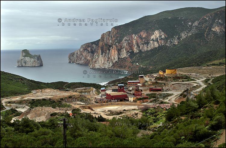Italia, Sardegna, Sulcis.<br /> Miniera abbandonata di Masua.<br /> Italy, Sardinia, Sulcis.<br /> Masua's abandonment mine.
