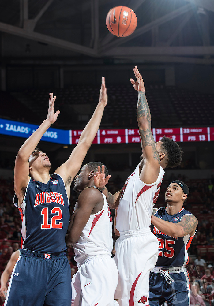 NWA Democrat-Gazette/ANTHONY REYES &bull; @NWATONYR<br /> Arkansas against Auburn in the second half Wednesday, Feb. 17, 2016 at Bud Walton Arena in Fayetteville. The Razorbacks lost 90-86.