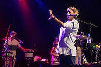 """SÃO PAULO, SP, 04.06.2016 - SHOW-SP- A cantora Mart'nália durante o show de encerramento da turnê """"Em Samba"""", no Tom Brasil, na noite deste sábado, 04. (Foto: Adriana Spaca/Brazil Photo Press)"""