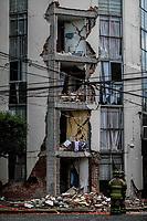 La estructura del edificio de Nicolas San Juan y    Morena de la colonia Del Valle Norte de la delegacion Benito Juarez quedo severamente dañada después del terremoto del 19 de septiembre, este complejo habitacional ya no podrá ser habitado y sera demolido, Ciudad de Mexico a 22 septiembre 2017  (Foto: Luis Gutierrez /NortePhoto.com)