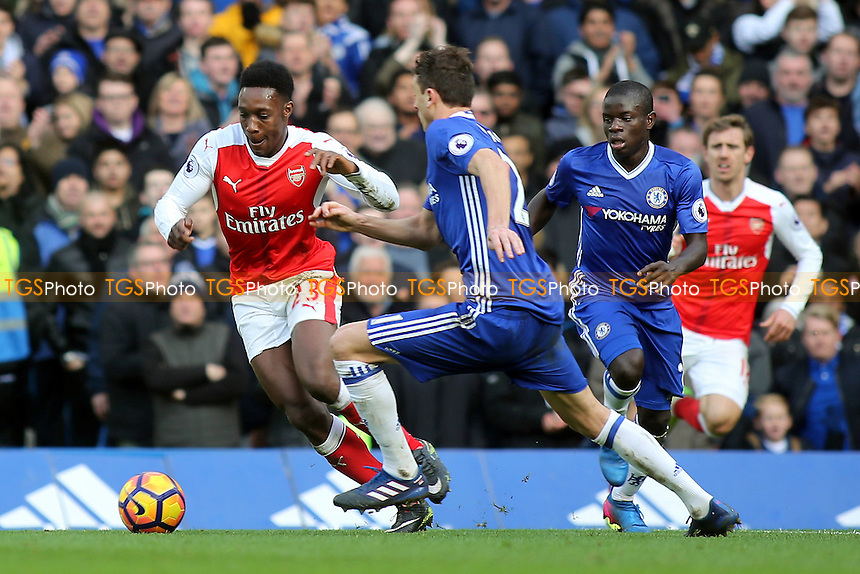 Danny Welbeck of Arsenal takes on Chelsea's Nemanja Matic during Chelsea vs Arsenal, Premier League Football at Stamford Bridge on 4th February 2017