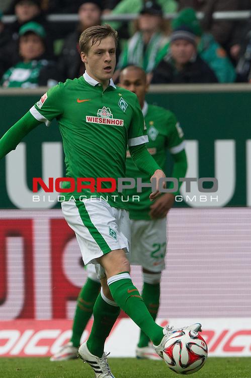 14.02.2015, Weser Stadion, Bremen, GER, 1.FBL. Werder Bremen vs 1. FC Augsburg, im Bild<br /> <br /> <br /> Felix Kroos (Bremen #18)<br /> Einzelaktion, Ganzk&ouml;rper / Ganzkoerper,<br /> <br /> <br /> <br /> Foto &copy; nordphoto / Kokenge