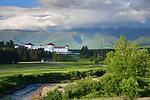 Omni Mount Washington Resort with presidential mountains behind.