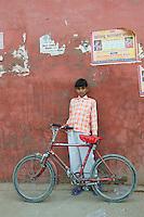 Young tourist hawker - Bikaner, India