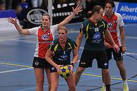 KORFBAL: GORREDIJK: Sport- en Ontspanningscentrum Kortezwaag, 12-01-2013, LDODK - TOP, Wereldtickets Korfbal League, Eindstand 22-22, Marjon Visser (#1   LDODK), Celeste Split (#6   TOP), Henk Bijker (#18   LDODK), Daniel Harmzen (#13   TOP), ©foto Martin de Jong