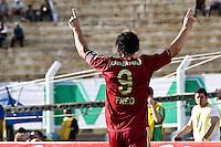 ATENÇÃO EDITOR: FOTO EMBARGADA PARA VEÍCULOS INTERNACIONAIS PRESIDENTE PRUDENTE 11 NOVEMBRO 2012 - CAMPEONATO BRASILEIRO - PALMEIRAS x FLUMINENSE - Freed jogador do Fluminense  comemora gol durante partida Palmeiras x Fluminense válido pela 35º rodada do Campeonato Brasileiro no Estádio Eduardo José Farah. Apelido, (Prudentão), no interior paulista na tarde deste domingo (11).(FOTO: ALE VIANNA -BRAZIL PHOTO PRESS)
