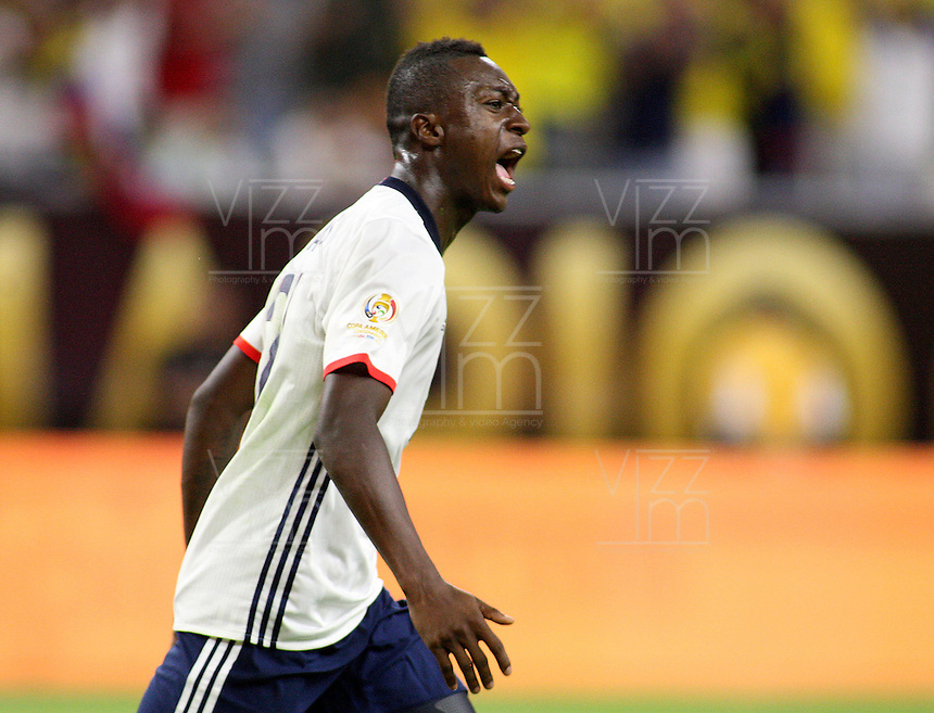 HOUSTON - UNITED STATES, 11-06-2016: Marlos Moreno (Izq) jugador de Colombia (COL) celebra después de anotar un gol a Costa Rica (CRC) durante partido del grupo A fecha 3 por la Copa América Centenario USA 2016 jugado en el estadio NRG en Houston, Texas, USA. /  Marlos Moreno (L) player of Colombia (COL) celebrates after scoring a goal to Costa Rica (CRC)  during match of the group A, date 3, for the Copa América Centenario USA 2016 played at NRG stadium in Houston, Texas ,USA. Photo: VizzorImage/ Luis Alvarez /Str