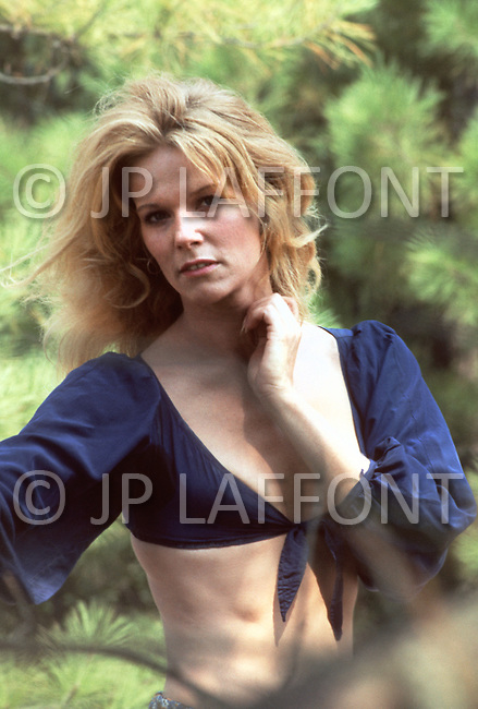 Actress Jennifer Billingsley on the set of film 'White Lighting' starring Burt Reynolds - Arkansas, US 1972