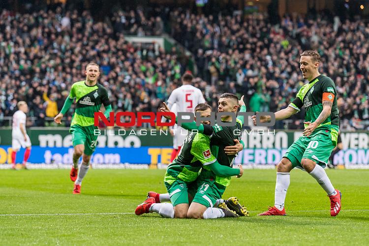 10.02.2019, Weserstadion, Bremen, GER, 1.FBL, Werder Bremen vs FC Augsburg<br /> <br /> DFL REGULATIONS PROHIBIT ANY USE OF PHOTOGRAPHS AS IMAGE SEQUENCES AND/OR QUASI-VIDEO.<br /> <br /> im Bild / picture shows<br /> Jubel 1:0, Milot Rashica (Werder Bremen #11) bejubelt seinen Treffer zum 1:0 mit Maximilian Eggestein (Werder Bremen #35), Johannes Eggestein (Werder Bremen #24), Max Kruse (Werder Bremen #10), <br /> <br /> Foto &copy; nordphoto / Ewert