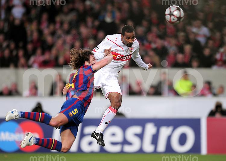 FUSSBALL  International  Champions   League  Hinspiel   SAISON 2009/2010    VfB Stuttgart -  FC Barcelona      23.02.2010 TOR zum 1:0 von Cacau (re, VfB Stuttgart) gegen Carles Puyol (li, Barca)