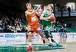 S&ouml;dert&auml;lje 2015-01-17 Basket Basketligan S&ouml;dert&auml;lje Kings - Bor&aring;s Basket :  <br /> S&ouml;dert&auml;lje Kings Darko Jukic i kamp om bollen med Bor&aring;s Samuel Haanp&auml;&auml; under matchen mellan S&ouml;dert&auml;lje Kings och Bor&aring;s Basket <br /> (Foto: Kenta J&ouml;nsson) Nyckelord:  Basket Basketligan S&ouml;dert&auml;lje Kings SBBK T&auml;ljehallen Bor&aring;s