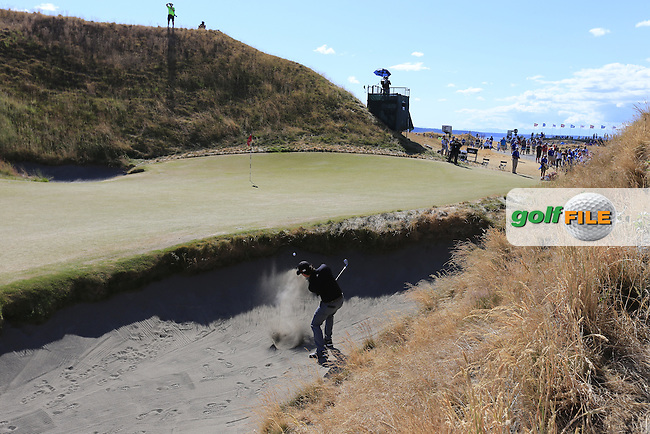 Brian HARMAN (USA) chips from a bunker at the 10th green during Friday's Round 2 of the 2015 U.S. Open 115th National Championship held at Chambers Bay, Seattle, Washington, USA. 6/20/2015.<br /> Picture: Golffile | Eoin Clarke<br /> <br /> <br /> <br /> <br /> All photo usage must carry mandatory copyright credit (&copy; Golffile | Eoin Clarke)