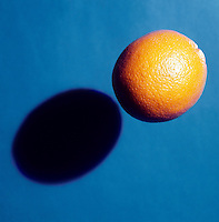 SHADOW CAST BY AN ORANGE<br />