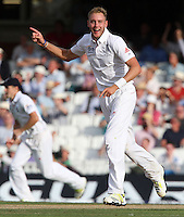 Stuart Broad of England celebrates taking the wicket of Shane Watson - England vs Australia - 1st day of the 5th Investec Ashes Test match at The Kia Oval, London - 21/08/13 - MANDATORY CREDIT: Rob Newell/TGSPHOTO - Self billing applies where appropriate - 0845 094 6026 - contact@tgsphoto.co.uk - NO UNPAID USE