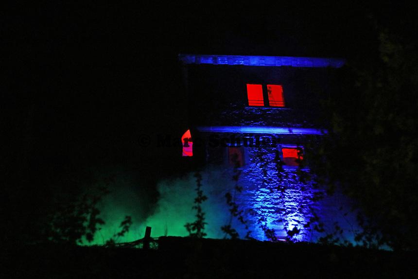 Angestrahlter Turm der Burg Frankenstein - Mühltal 03.11.2018: Halloween auf der Burg Frankenstein