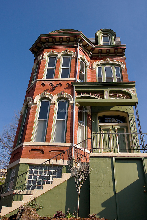 Pittsburgh's Neighborhoods - Variety of character, color and vitality
