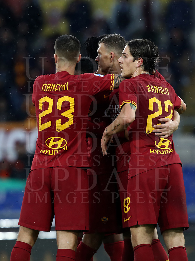 Football, Serie A: AS Roma - Brescia FC, Olympic stadium, Rome, November 24, 2019. <br /> Roma's Edin Dzeko (c) celebrates after scoring with his teammates during the Italian Serie A football match between Roma and Brescia at Olympic stadium in Rome, on November 24, 2019. <br /> UPDATE IMAGES PRESS/Isabella Bonotto