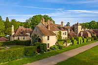 France, Cher (18), Apremont-sur-Allier, labellisé Plus Beaux Villages de France (vue aérienne)