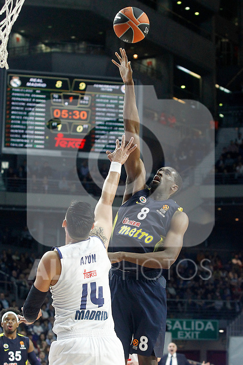 Real Madrid's Gustavo Ayon (l) and Fenerbahce Istambul's Ekpe Udoh during Euroleague, Regular Season, Round 29 match. March 31, 2017. (ALTERPHOTOS/Acero)