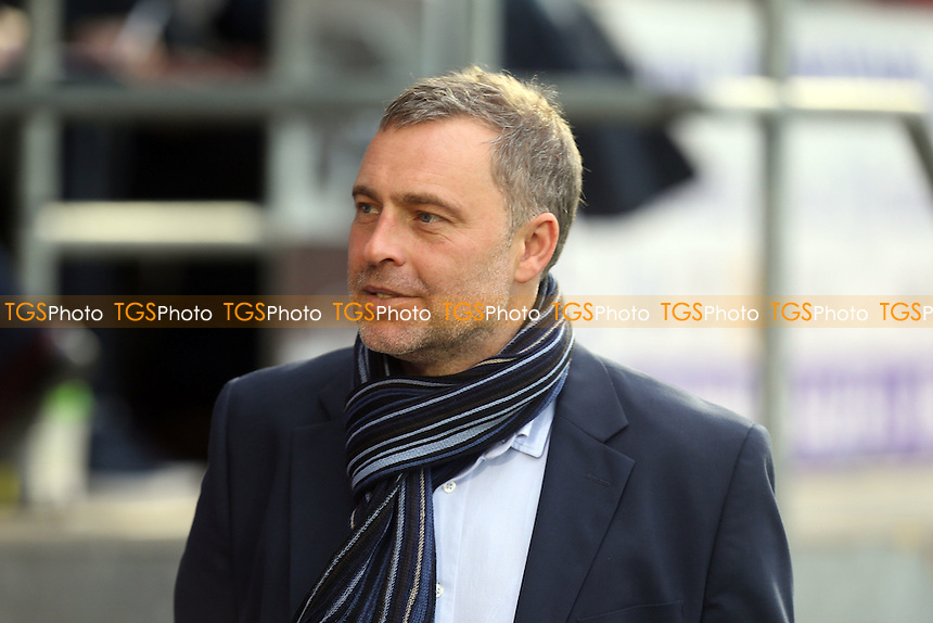 Dagenham and Redbridge manager Wayne Burnett during Dagenham and Redbridge vs Bristol Rovers, Sky Bet League 2 Football at the Chigwell Construction Stadium, London, England on 19/12/2015