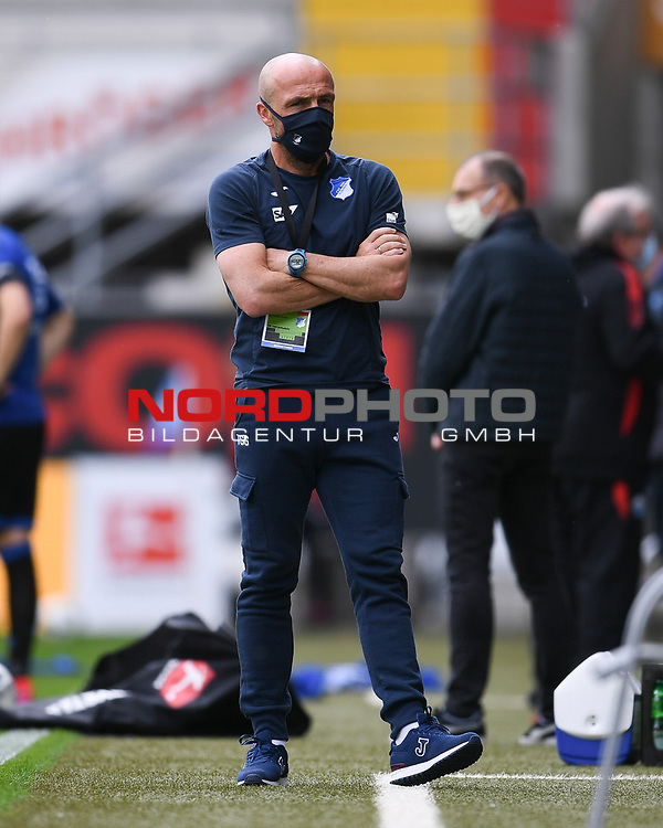 Trainer Alfred Schreuder (Hoffenheim).<br /><br />Sport: nph000251 Fussball: 1. Bundesliga: Saison 19/20: 27. Spieltag: SC Paderborn - TSG 1899 Hoffenheim, 23.05.2020<br /><br />Foto: Edith Geuppert/GES /Pool / Rauch / nordphoto <br /><br />DFL regulations prohibit any use of photographs as image sequences and/or quasi-video.<br /><br />Editorial use only!<br /><br />National and international news-agencies out.