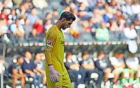 Torwart Kevin Trapp (Eintracht Frankfurt) enttäuscht  - 30.09.2018: Eintracht Frankfurt vs. Hannover 96, Commerzbank Arena, DISCLAIMER: DFL regulations prohibit any use of photographs as image sequences and/or quasi-video.