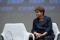 SAO PAULO, SP, 13.11.2013 - ENCONTRO FRANCO BRASILEIRO - A presidente da Republica Brasileira Dilma Rousseff durante encontro economico Franco Brasileiro com a presença do presidente da França, François Hollande na sede da FIESP na avenida Paulista nesta sexta-feira, 13. (Foto: Vanessa Carvalho / Brazil Photo Press).