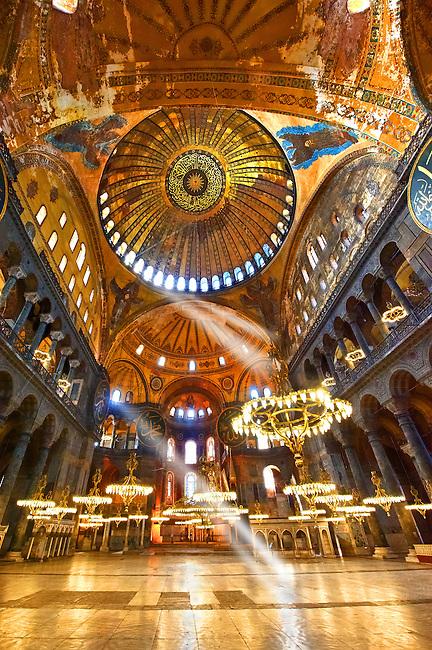 The Islamic decoration on the domes of the interior of Hagia Sophia ( Ayasofya ) , Istanbul, Turkey
