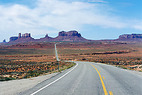 SOUTHWESTERN GEOLOGICAL FORMATIONS<br /> Highway to Monument Valley<br /> Monument Valley, Utah