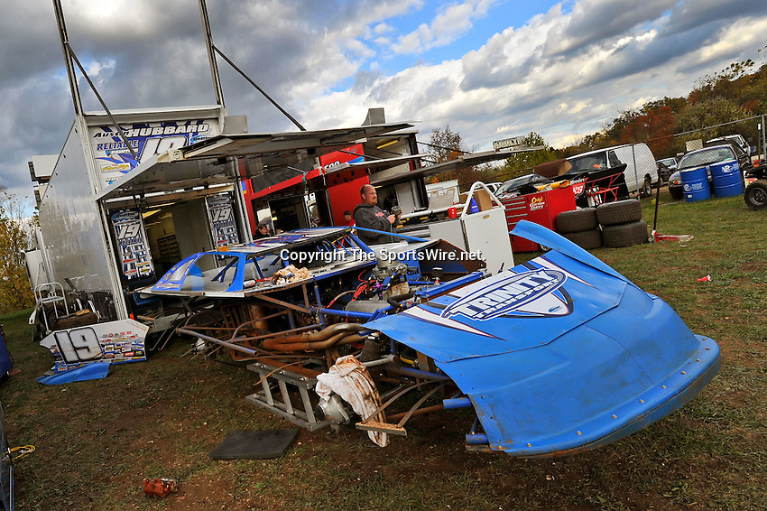Oct 15, 2010; 4:13:36 PM;Mineral Wells,WV ., USA; The 30th Annual Dirt Track World Championship dirt late models 50,000-to-win event at the West Virginia Motor Speedway.  Mandatory Credit: (thesportswire.net)