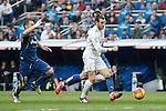 Real Madrid´s Gareth Bale (R) and Getafe´s Lago during La Liga match at Santiago Bernabeu stadium in Madrid, Spain. December 05, 2015. (ALTERPHOTOS/Victor Blanco)