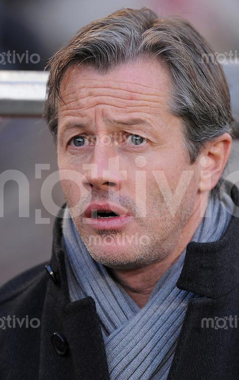 FUSSBALL   1. BUNDESLIGA   SAISON 2010/2011  15. SPIELTAG    04.12.2010 VfB Stuttgart - TSG 1899 Hoffenheim  Trainer Jens Keller (VfB Stuttgart)  nachdenklich