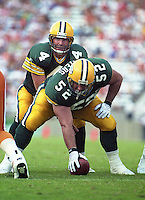 Brett Favre under center Frank Winters as the Green Bay Packers defeated the Tampa Bay Buccaneers 38-14 on October 24, 1993.  (Photo by Brian Cleary/www.bcpix.com)