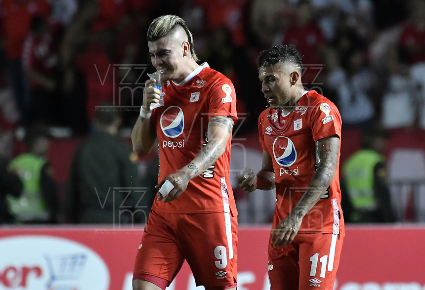 CALI - COLOMBIA, 19-10-2019: Michael Rangel y Duvan Vergara del América durante partido por la fecha 18 de la Liga Águila II 2019 entre América de Cali y Atlético Nacional jugado en el estadio Pascual Guerrero de la ciudad de Cali. / Michael Rangel y Duvan Vergara of America during match for the date 18 as part of Aguila League II 2019 between America de Cali and Atletico Nacional played at Pascual Guerrero stadium in Cali. Photo: VizzorImage / Gabriel Aponte / Staff