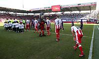 teamen laufen  jeweils 400. Zweitligaspiel auf   <br /> / Sport / Football /   2.Bundesliga  DFL /  2017/2018 / 11.03.2018 / 1.FC Union Berlin FCU vs. FC Erzgebirge Aue 180311002 /      <br />     *** Local Caption *** © pixathlon<br /> Contact: +49-40-22 63 02 60 , info@pixathlon.de