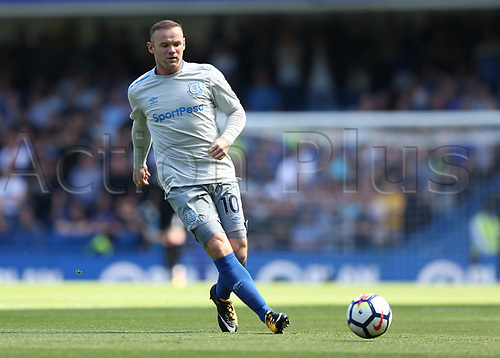 27th August 2017, Stamford Bridge, London, England; EPL Premier League football, Chelsea versus Everton;Wayne Rooney of Everton on the ball