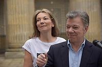 BOGOTA - COLOMBIA, 17-06-2018: Discurso del presidetne Juan Manuel Santos, luego de su votación. La segunda vuelta de las elecciones presidenciales de Colombia de 2018 se celebrarán el domingo 17 de junio de 2018. El candidato ganador gobernará por un periodo máximo de 4 años fijado entre el 7 de agosto de 2018 y el 7 de agosto de 2022. / Speech of the president Juan Manuel Santos, after his votation. Colombia's 2018 second round presidential election will be held on Sunday, June 17, 2018. The winning candidate will govern for a maximum period of 4 years fixed between August 7, 2018 and August 7, 2022. Photo: VizzorImage / Nicolas Aleman / Cont