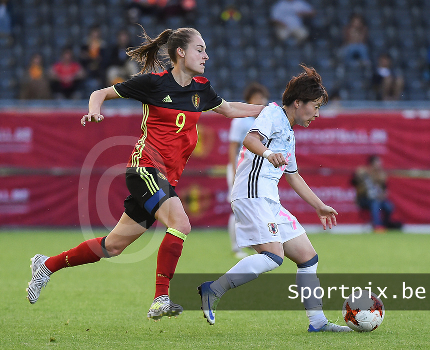 20170613 - LEUVEN ,  BELGIUM : Belgian Tessa Wullaert (L) and Japanese Yuka Momiki (R) pictured during the female soccer game between the Belgian Red Flames and Japan , a friendly game before the European Championship in The Netherlands 2017  , Tuesday 13 th Juin 2017 at Stadion Den Dreef  in Leuven , Belgium. PHOTO SPORTPIX.BE | DIRK VUYLSTEKE