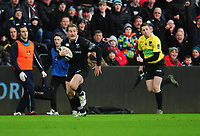 Ospreys' Jeff Hassler in the build up to scoring his sides first try<br /> <br /> Photographer Kevin Barnes/CameraSport<br /> <br /> Guinness Pro14 Round 13 - Ospreys v Cardiff Blues - Saturday 6th January 2018 - Liberty Stadium - Swansea<br /> <br /> World Copyright &copy; 2018 CameraSport. All rights reserved. 43 Linden Ave. Countesthorpe. Leicester. England. LE8 5PG - Tel: +44 (0) 116 277 4147 - admin@camerasport.com - www.camerasport.com