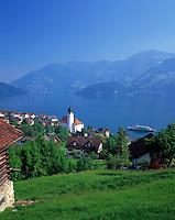 Schweiz, Kanton Unterwalden, Beckenried: Ausflugsschiff besucht den Urlaubsort im Halbkanton Nidwalden, auch Anlegestelle der einzigen Autofaehre | Switzerland, Canton Unterwalden, Weggis: motor vessel visiting the holiday resort