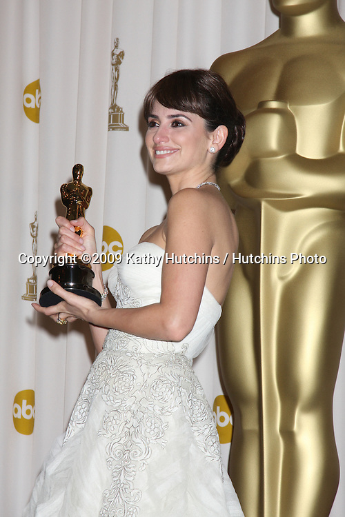 Penelope Cruz  in the 81st Academy Awards Press Room at the Kodak Theater in Los Angeles, CA  on.February 22, 2009.©2009 Kathy Hutchins / Hutchins Photo...                .