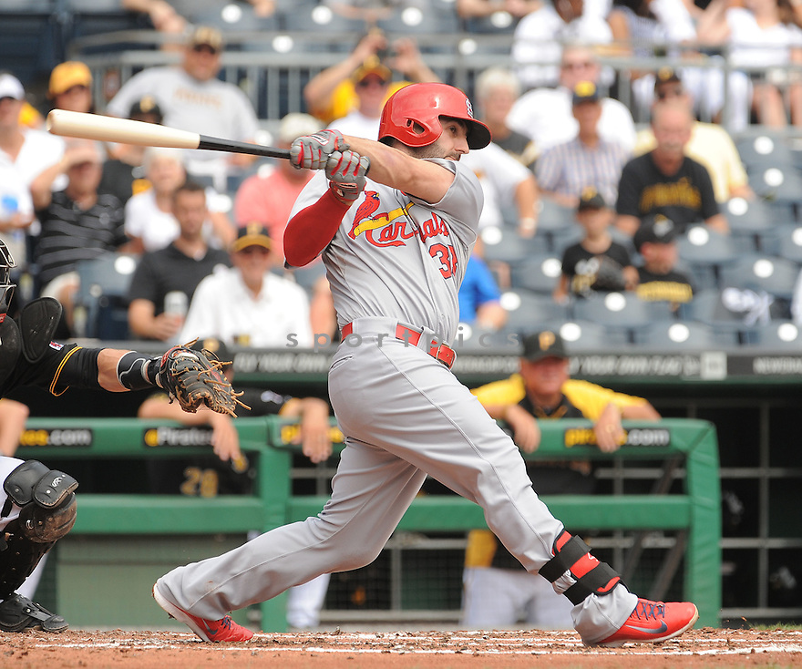 St. Louis Cardinals Daniel Descalso (33) during a game against the Pittsburgh Pirates on August 27, 2014 at PNC Park in Pittsburgh PA. The Pirates beat the Cardinals 3-1.